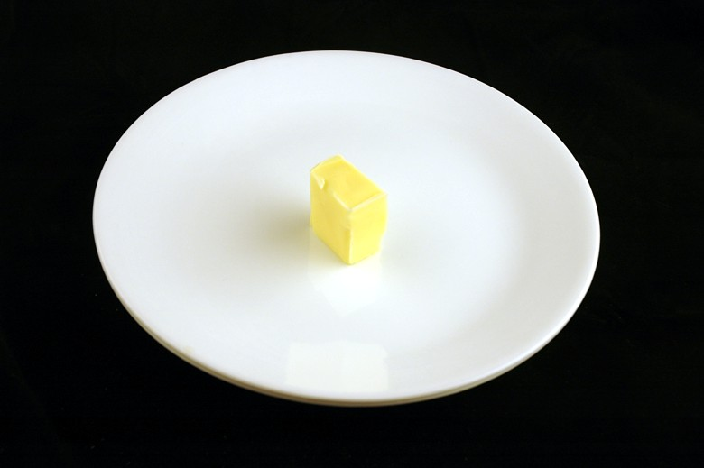 Mantega: 28 gramas = 200 calorias