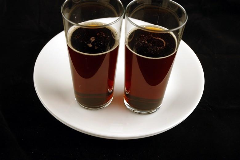 Refrigerante sabor cola: 496 ml = 200 calorias