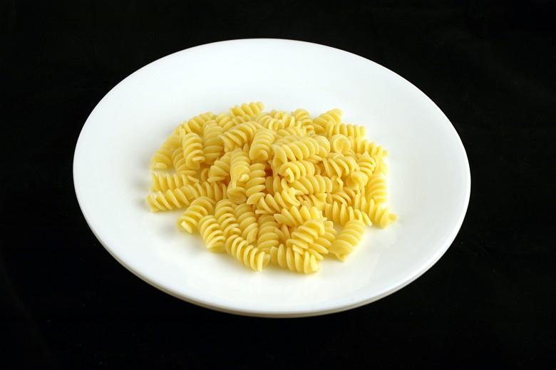 Massa cozida: 145 gramas = 200 calorias