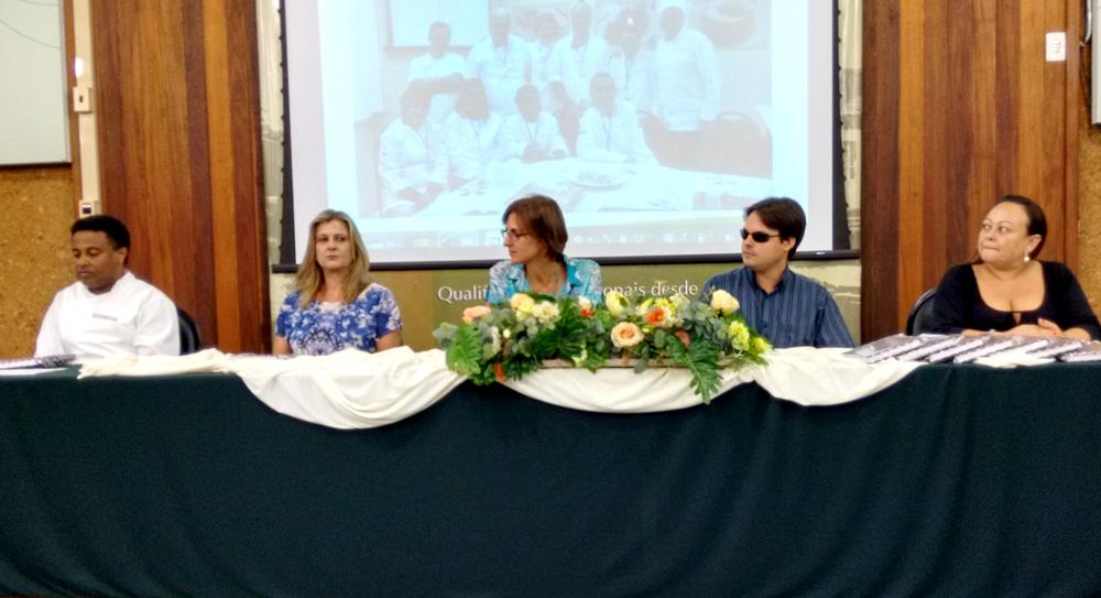 Mesa---Prof-Gustavo,-Marisa,-Susana,-Rafael,-Andréia-ed